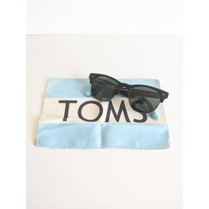 Authentic TOMS Lobamba Sunglasses w/Cleaning Cloth
